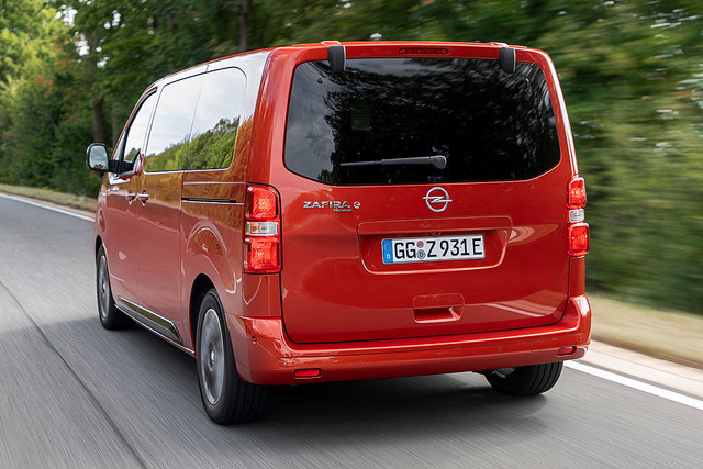 2016 - [Citroën/Peugeot/Toyota] SpaceTourer/Traveller/ProAce - Page 40 3-DF8-C66-C-5-C4-E-4714-A6-A5-C4780-E6-A08-E2