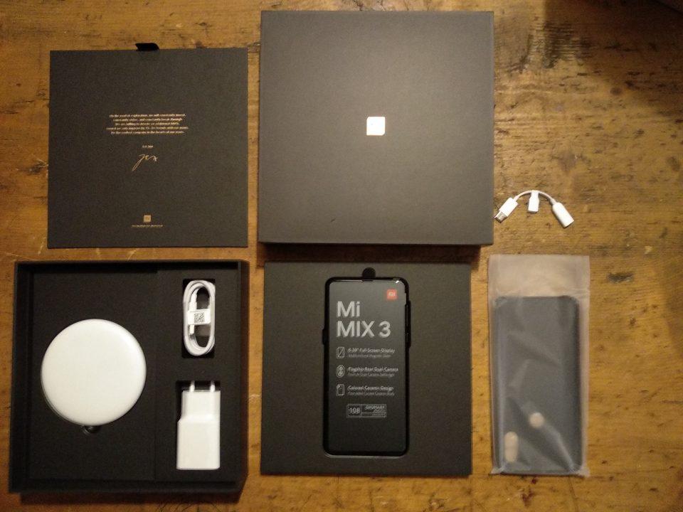 La confezione dello Xiaomi Mi Mix 3