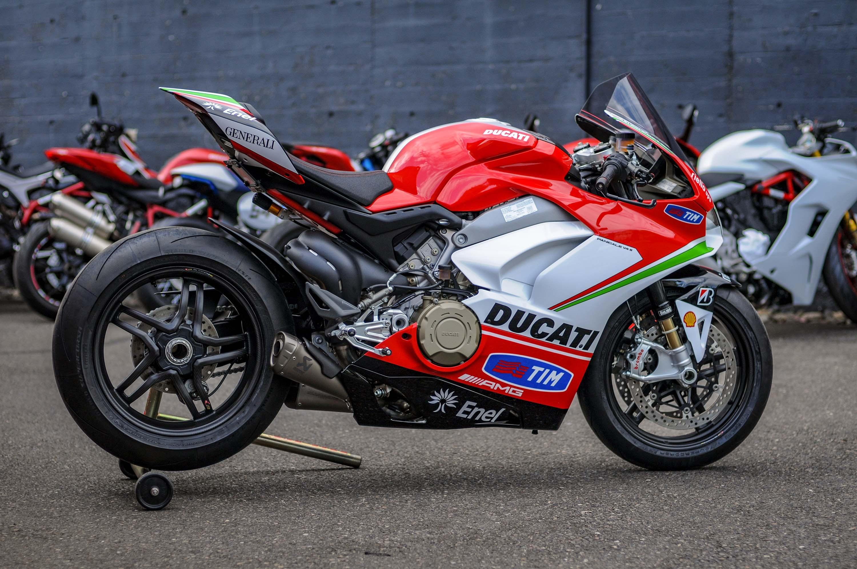 Nicky-Hayden-Ducati-Panigale-V4-tribute-20