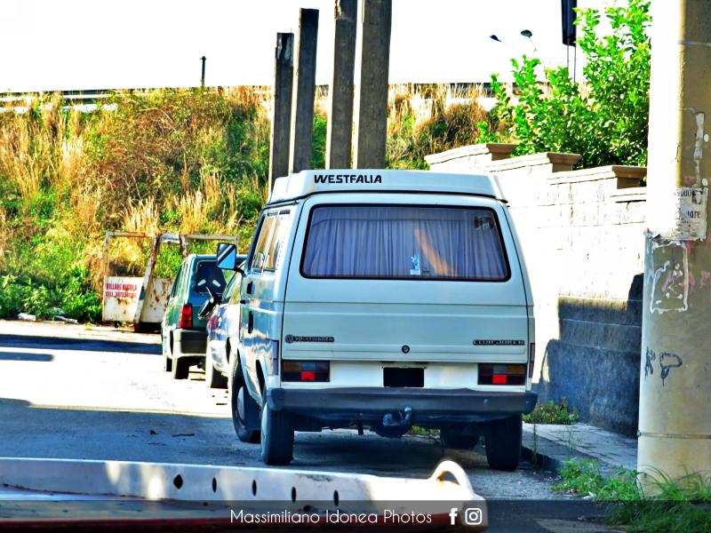 avvistamenti auto storiche - Pagina 39 Volkswagen-Club-Joker-Westfalia-2