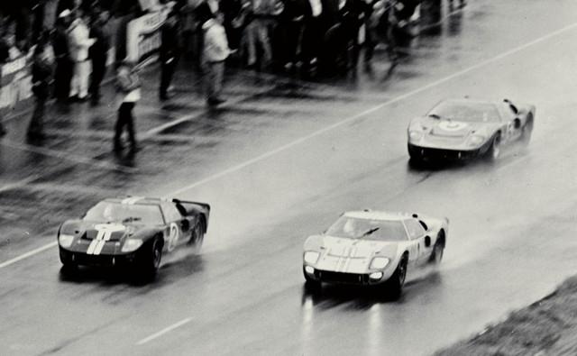 1966-GT40s-Le-Mans-09-08-2011