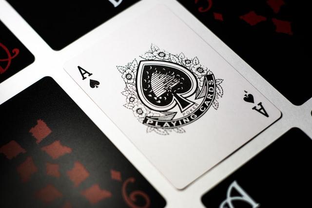 https://i.ibb.co/gW2rQND/online-poker-game.jpg