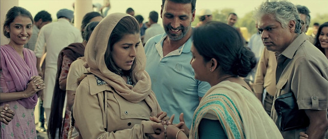 Airlift-2016-225