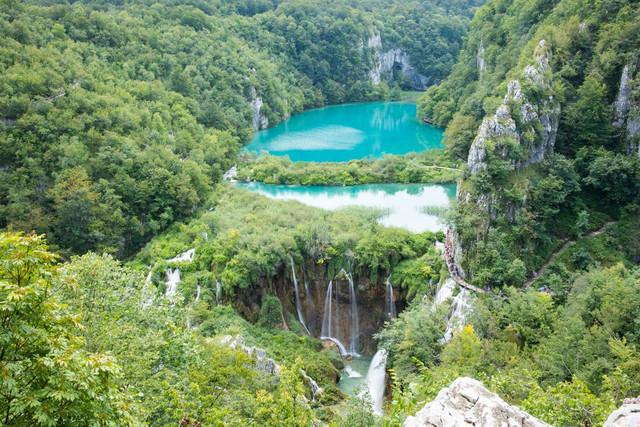 Plitvice-Lakes-Postcard-View-jpg-optimal