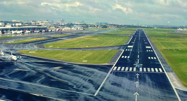 Brussels-Airport-Runway-25-R