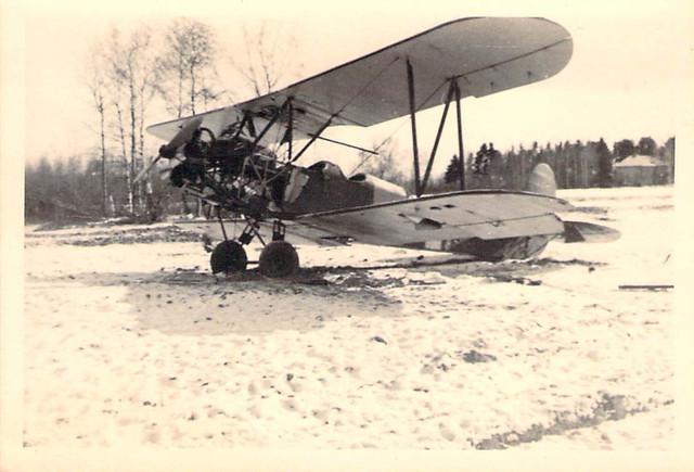 Foto-WK-II-Wehrmacht-ein-notgelandetes-russ-Flugzeug