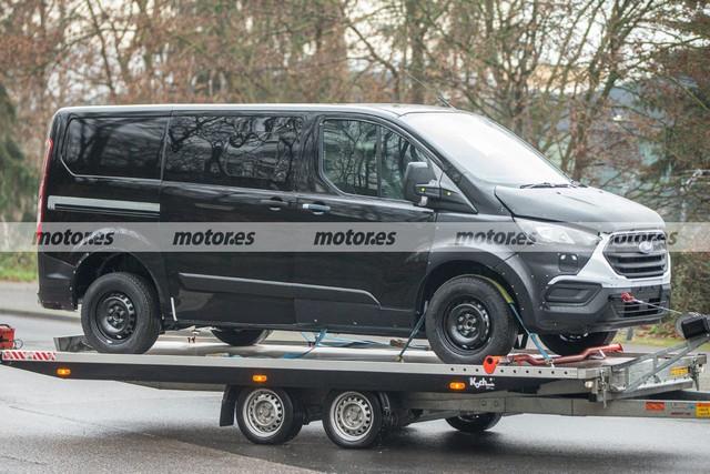 2022 - [Ford] Transit Custom EE39-BCE6-6355-4-CFD-9471-4328585-E0960