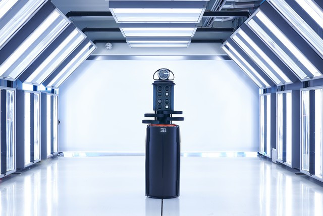 Nouveau partenariat « Buben&Zorweg for Bugatti »  03-buben-zorweg-for-bugatti-grande-illusion-chiron-lighttunnel-highres