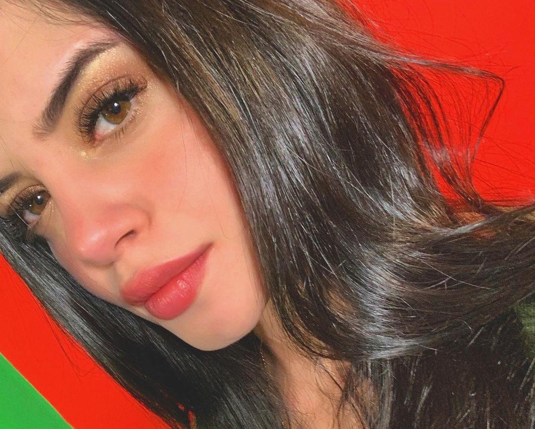 Paulina-Buenavida-Wallpapers-Insta-Fit-Bio-9