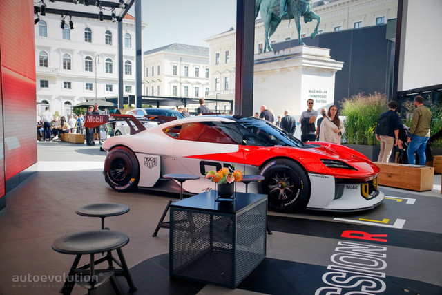 2021 - [Porsche] Mission R - Page 2 96-E5-D753-7829-40-BD-B8-B8-E22119-A29797