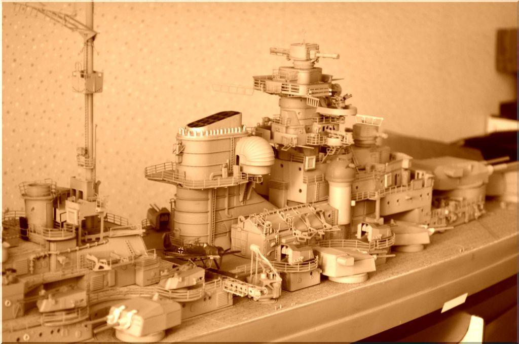 Bismarck au 1/200eme - Maquette Hachette/Amati Bismarck-02