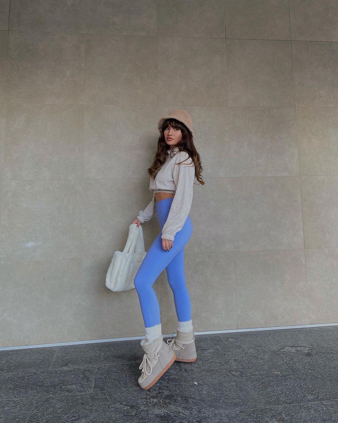 Ceren-Kaya-Wallpapers-Insta-Fit-Bio-4