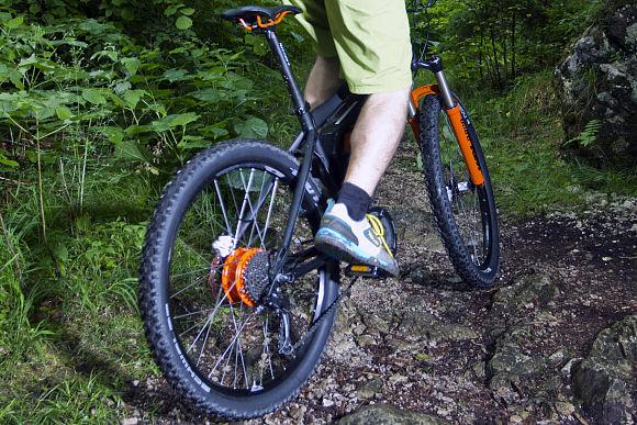 [Bild: ub-e-bike-pedelec-ktm-panasonic-heckantr...049186.jpg]