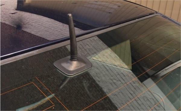 Antenne BMW E39 vitre haut