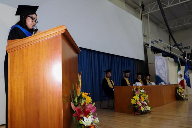 Graduacio-n-Gestio-n-Empresarial-50