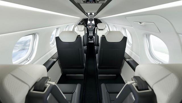 Haute performance sur terre et dans les airs: Porsche coopère avec Embraer P300-E-Porsche-Interior-New-View15