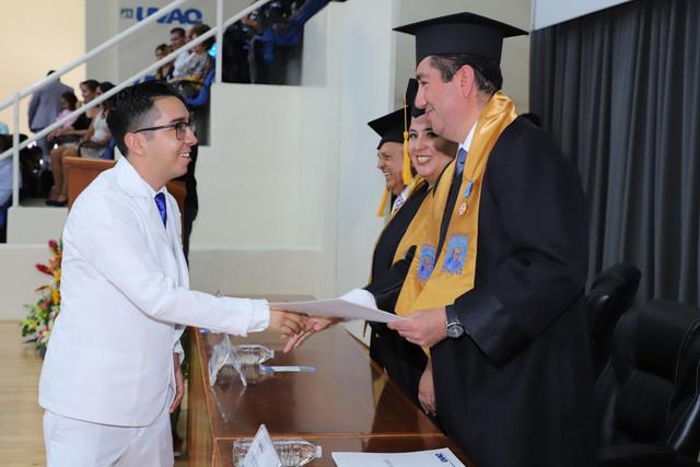 Graduacio-n-Medicina-142