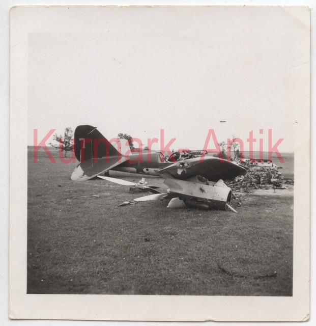 AC066-Foto-Wehrmacht-Luftwaffe-Flugzeug-Beute-Russland-crash