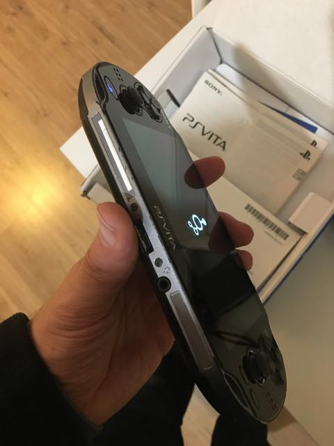 [Vendu] PS Vita Wifi enso sd2vita 128Go en boîte 80€ 3-AF8-DC95-2-ED9-4506-A0-AE-36910-AC382-A5