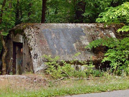 bunker-516985-340.jpg
