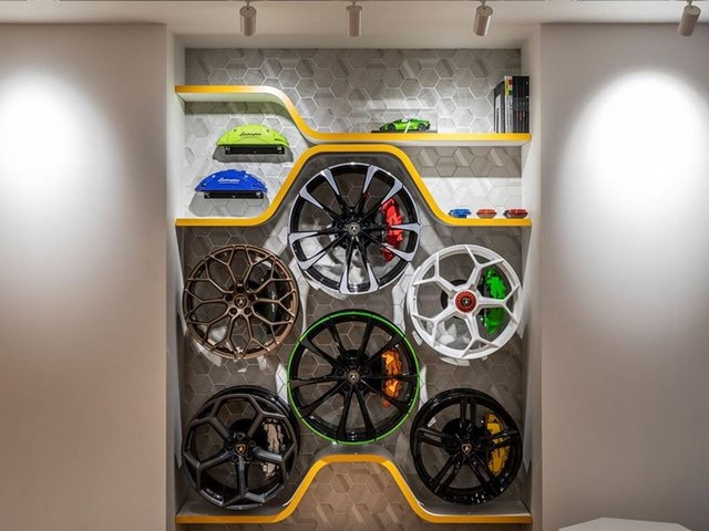 Automobili Lamborghini et Yohji Yamamoto célèbrent l'inauguration du Lamborghini Lounge Tokyo et du Studio Ad Personam 571325