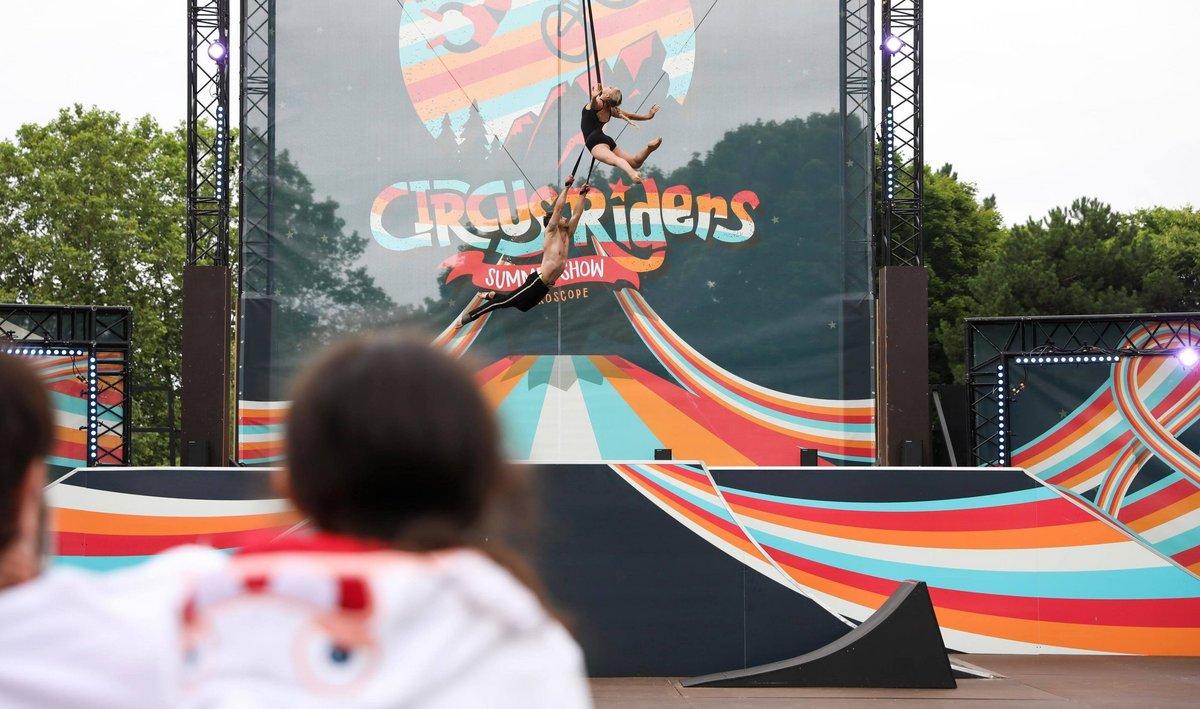Circus Riders - spectacle de plein air · du 17 juillet au 28 août 2021 2021-Circus-Riders-NR