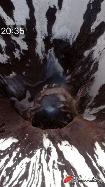 Shishaldin-crater-focus