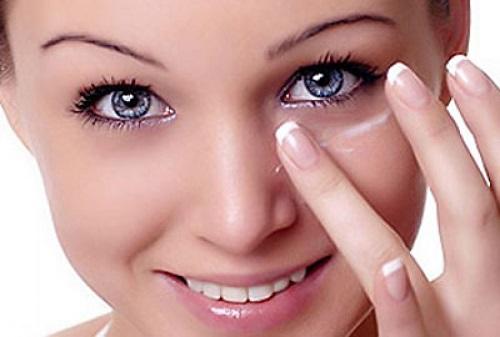 Cách trị thâm quầng mắt rất đơn giản mà hiệu quả Quang-mat-2