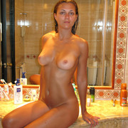 perfect-body-nude-amateur-on-vacation-16