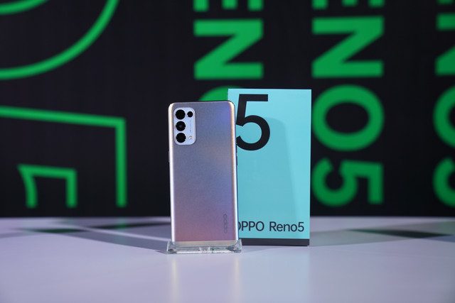 OPPO-Reno5-1st-Appearance-10