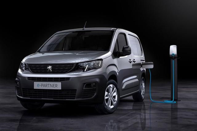 2018 - [Peugeot/Citroën/Opel] Rifter/Berlingo/Combo [K9] - Page 10 FF299-B9-C-89-E9-48-A1-A659-49-B1-FABC83-BE