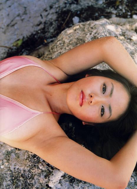 Isoyama-Sayaka-her-mavelous-youthful-days-021