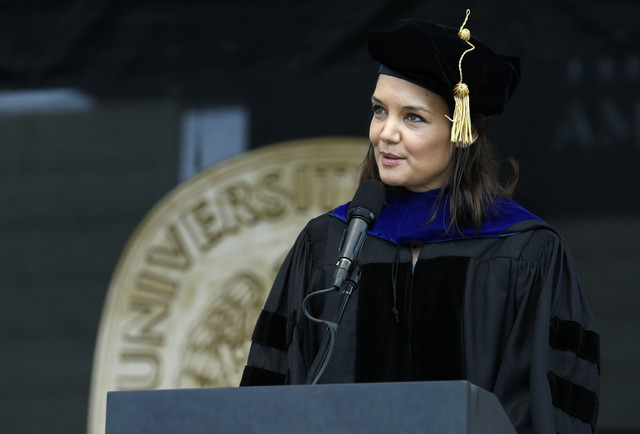 Actress-and-Toledo-native-Katie-Holmes-gives-the-commencement-address-during-spring-commencement-at-