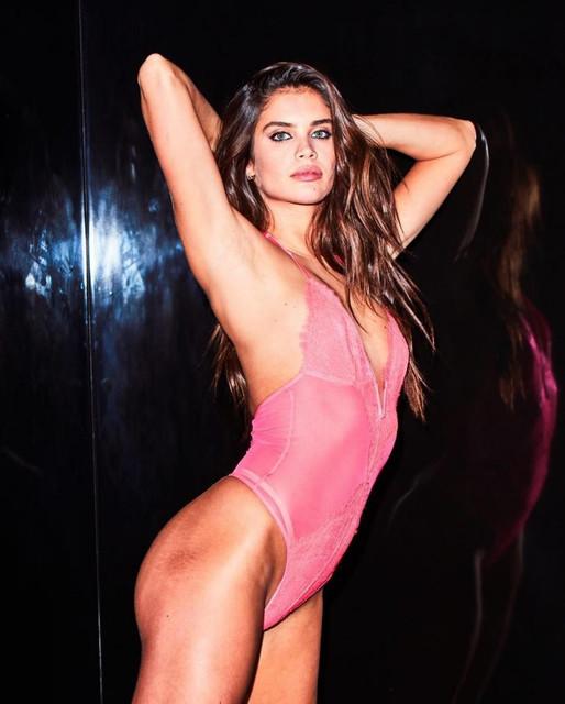 Sara-Sampaio-Sexy-The-Fappening-Blog-com-5-768x957