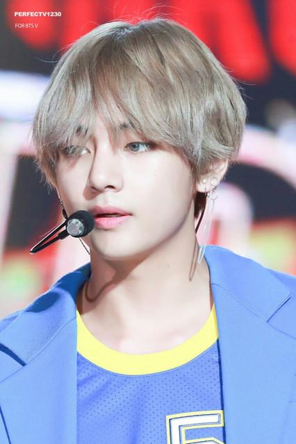 korea-korean-kpop-idol-boy-band-group-BTS-taehyungs-dna-hair-bangtan-long-silver-hairstyles-guys-men