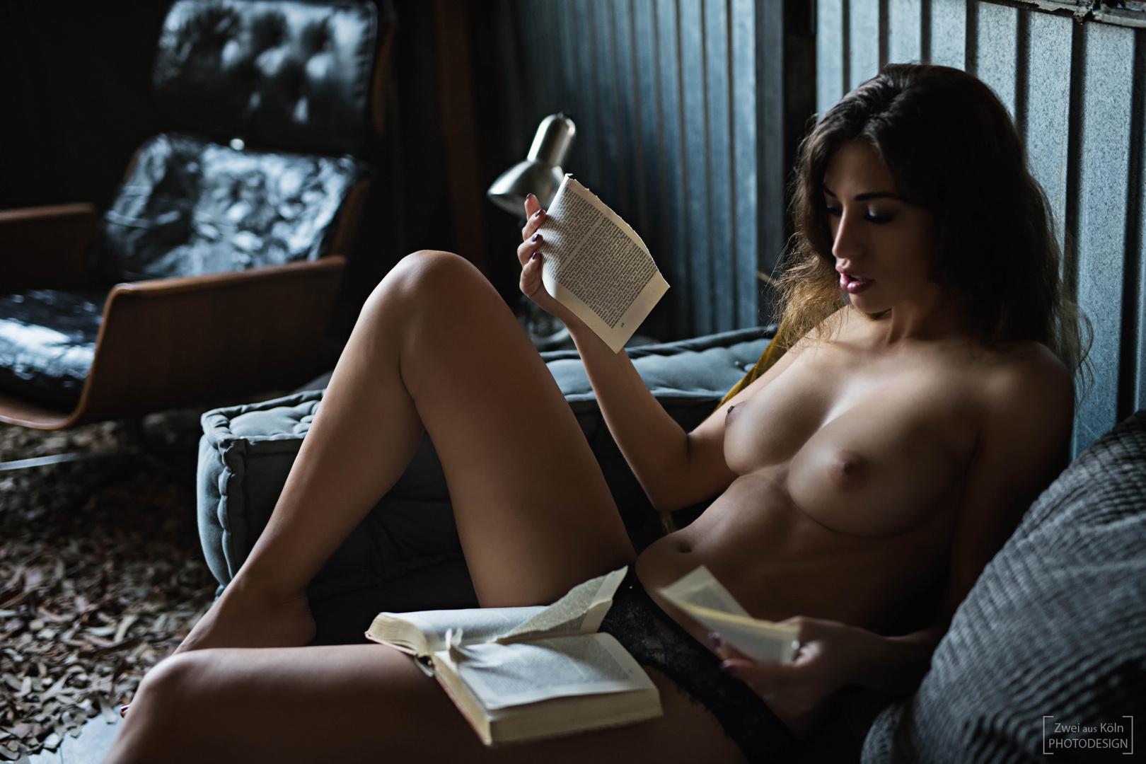 stay-home-and-read-a-book-87fc1aa7-ba9c-4d87-a0ef-5799a516c36d