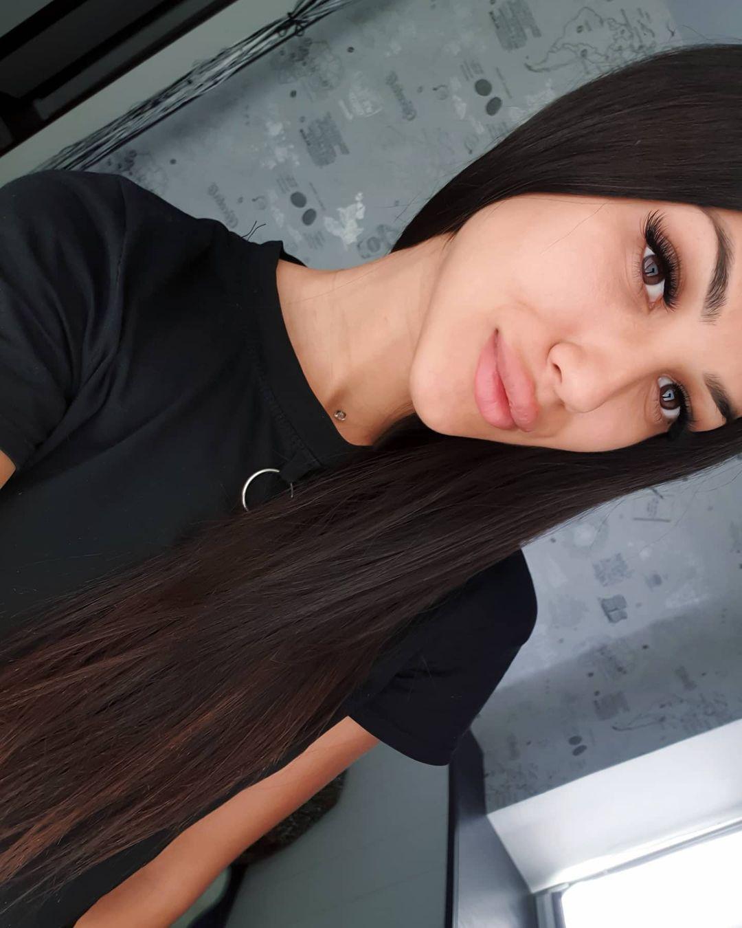 Fatima-Nezhdanova-Wallpapers-Insta-Fit-Bio-9