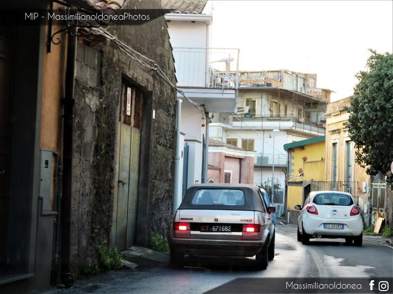 avvistamenti auto storiche - Pagina 14 Volkswagen-Golf-Cabriolet-1-1-49cv-83-CT671682