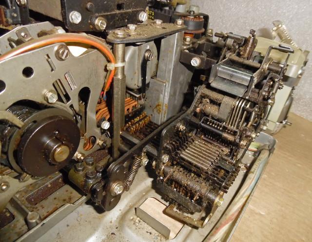teletype-asr-33-29.jpg