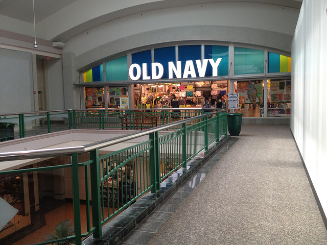 Old-Navy-Arbor-Place-Mall