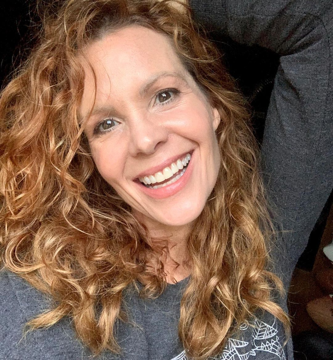 Robyn-Lively-3