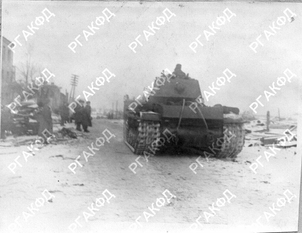 1-1943