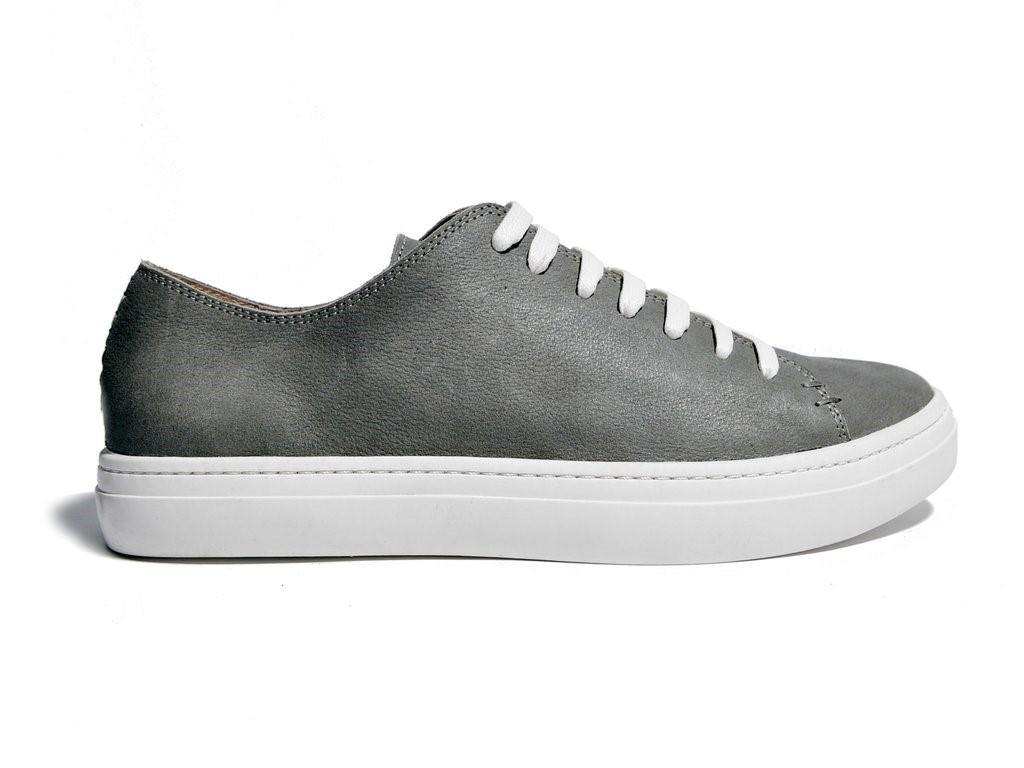 sneakersurabaya