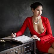 lady-in-red-fa50bd76-cd07-4cc1-b88d-3252d62cf1b1