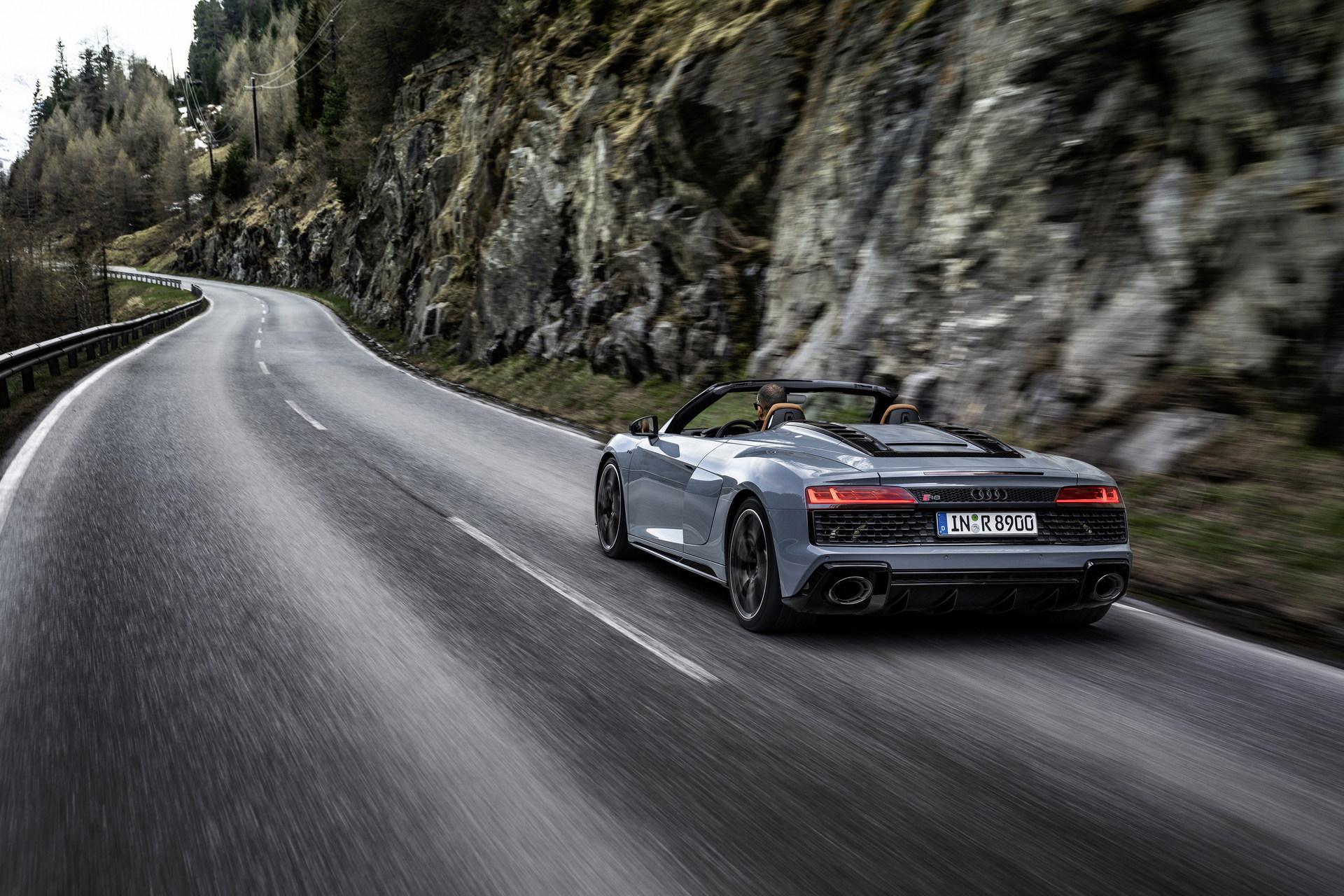 2022-Audi-R8-V10-Performance-RWD-2