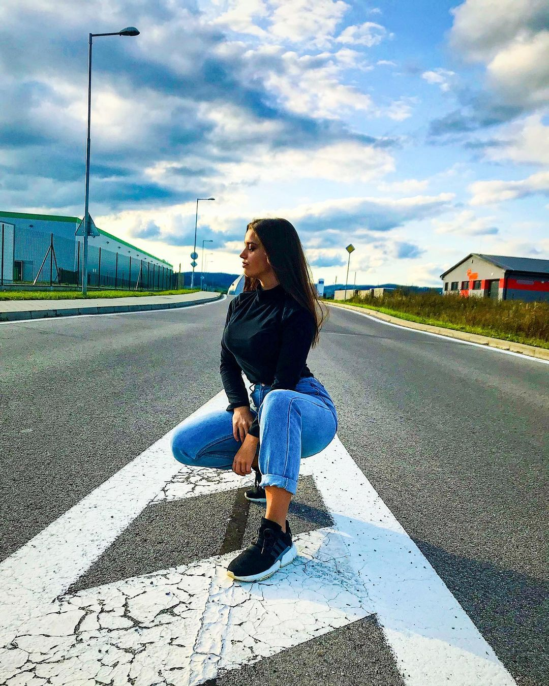 Laurencikova-Laura-Wallpapers-Insta-Fit-Bio-Laura-Laurencikova-Wallpapers-Insta-Fit-Bio-5