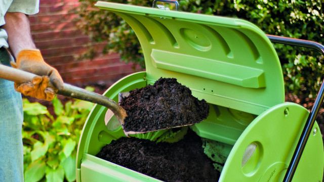 6 Ways to Make Compost from Household Waste
