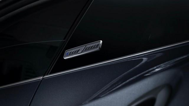 Haute performance sur terre et dans les airs: Porsche coopère avec Embraer EX22-V55-ID0004