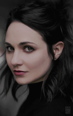 Tuppence Middleton 250-X400-X010