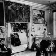 Edvard-Munch-1863-1944-in-his-studio-with-canvas-in-Ekely-at-Skoyen-Oslo-Norway-in-1943-last-photogr